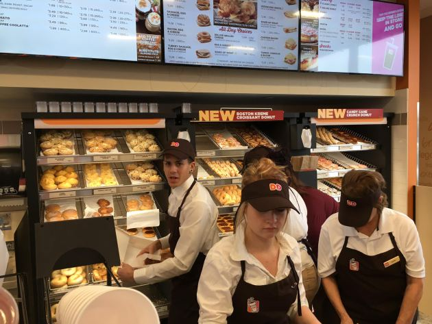 Wait Is Over Twin Cities First Dunkin Donuts Opens In New Hope Startribune