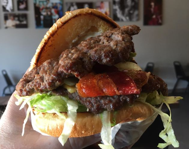 burger friday a taste of mexico in south minneapolis startribune com