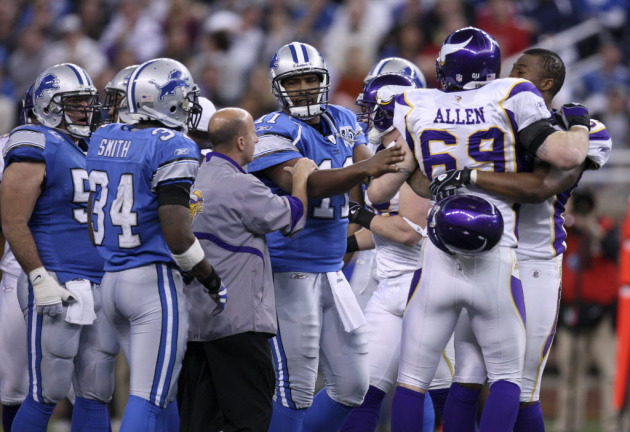 Asked if NFL cares more about offensive players, Jared Allen sa…