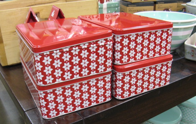 Tin boxes come in 6 assorted Christmas designs and in two sizes: larger tins measure xx in., smaller tins measure xx in. Ideal for gifting cookies and baked treats, and for .